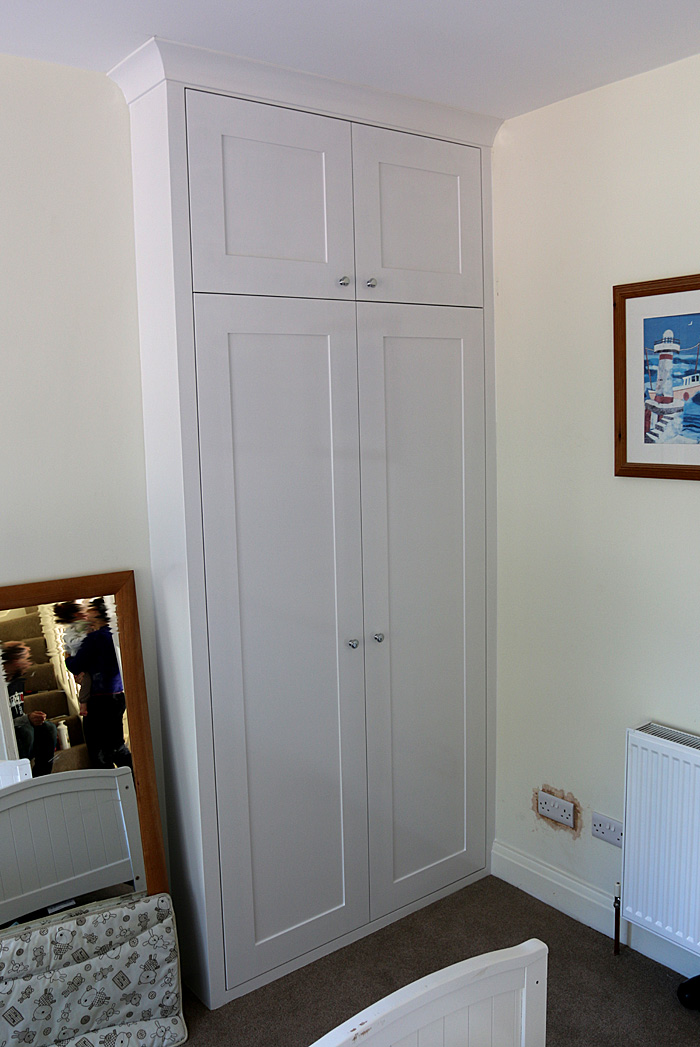 Classic wardrobe with shaker doors RHS (Ealing, Oct 2014)