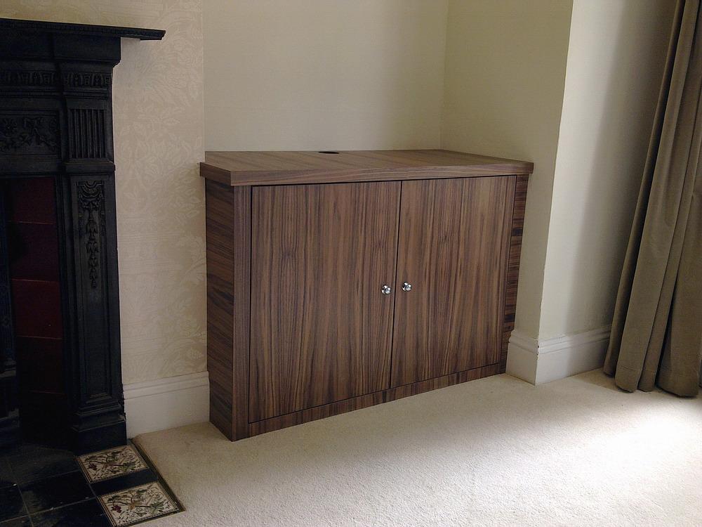 Alcove veneer tv cabinet (Acton)