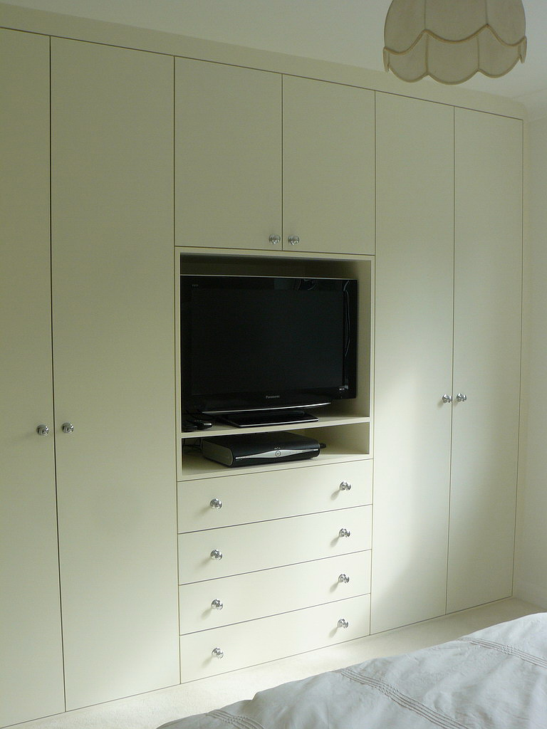 Amazing Bedroom Wardrobe with TV 768 x 1024 · 138 kB · jpeg