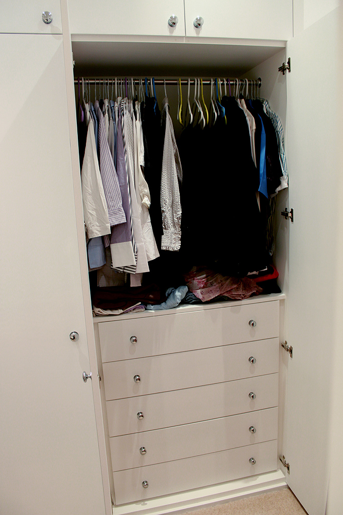 Drawers inside fitted wadrobe
