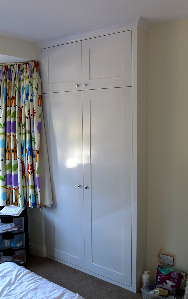 Classic wardrobe with shaker doors LHS (Ealing, Oct 2014)
