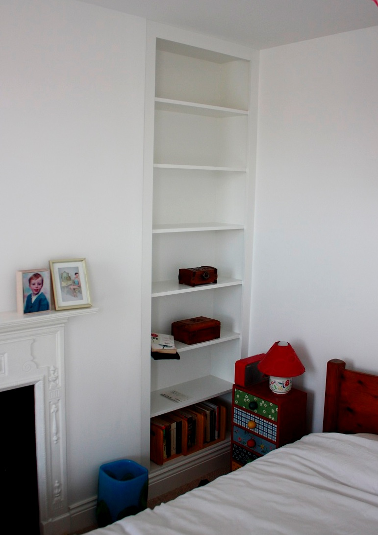 Simple plain alcove shelving