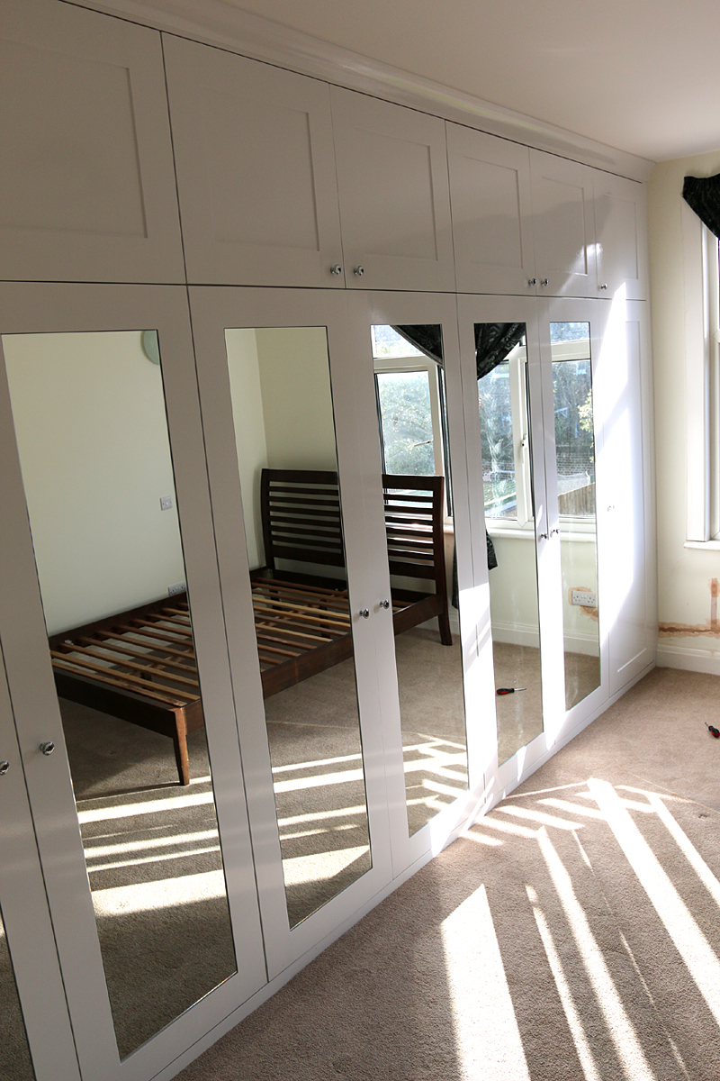 Shaker door wardrobe with mirrored panels