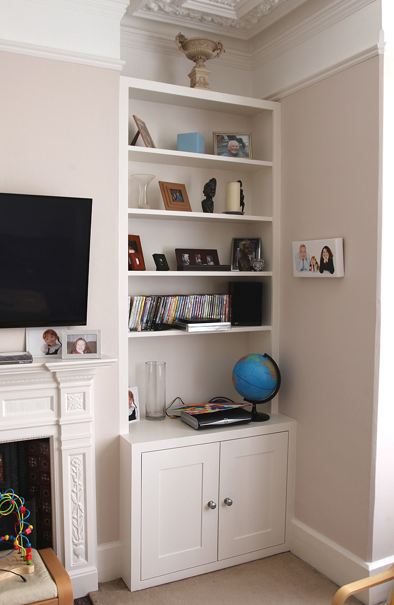 Fitted alcove bookshelves in Ealing Broadway