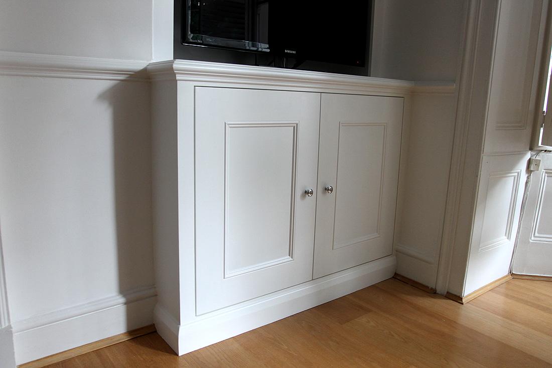 Classic style alcove cupboard