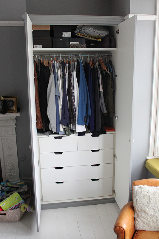 Interior of the wardrobe, drawers example