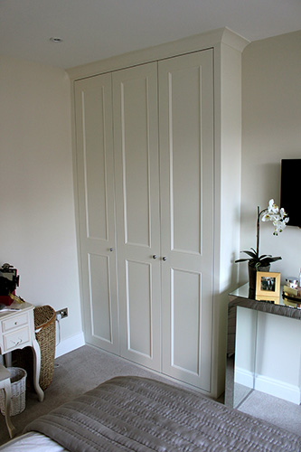 Traditional fitted wardrobe UK
