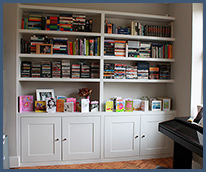 Fitted bookshelves and bookcases button