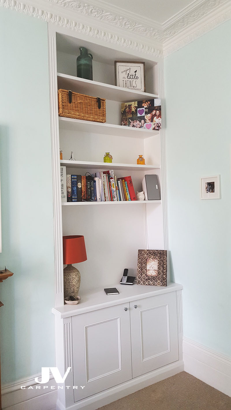 Alcove cupboards with shelves