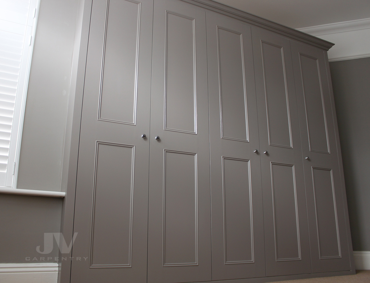 Classic Fitted wardrobe with 5 doors