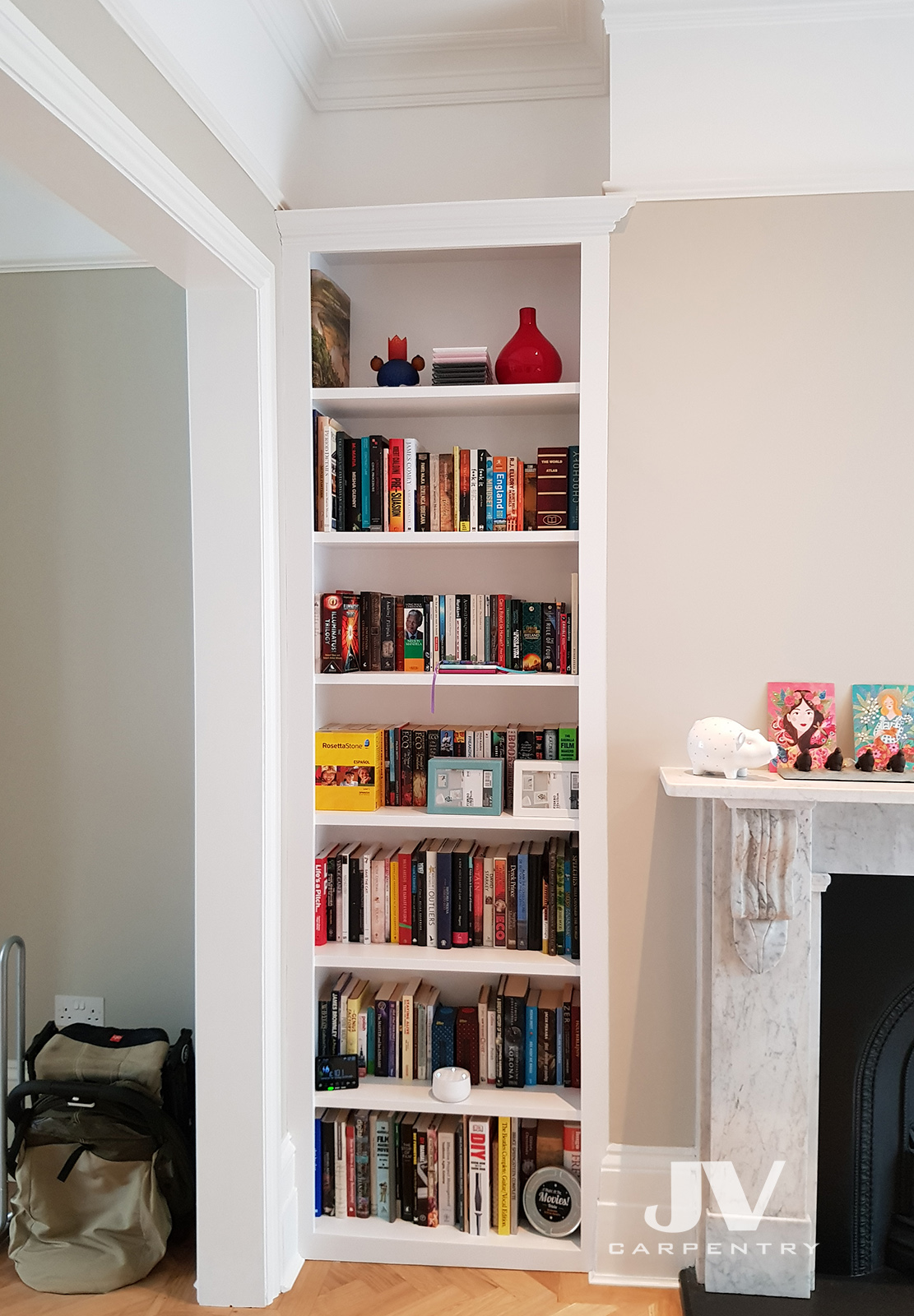 Alcove shelving unit without cabinet