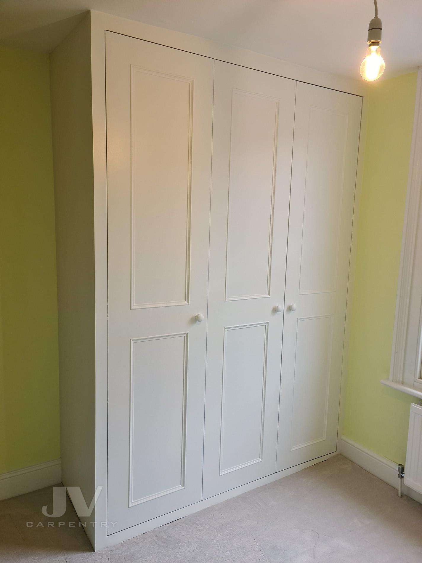 wardrobe for small bedroom