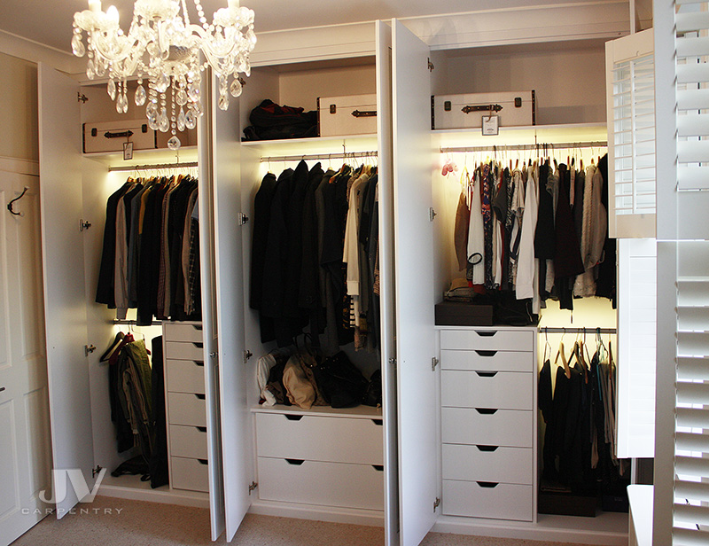idea of using space inside of the wardrobe