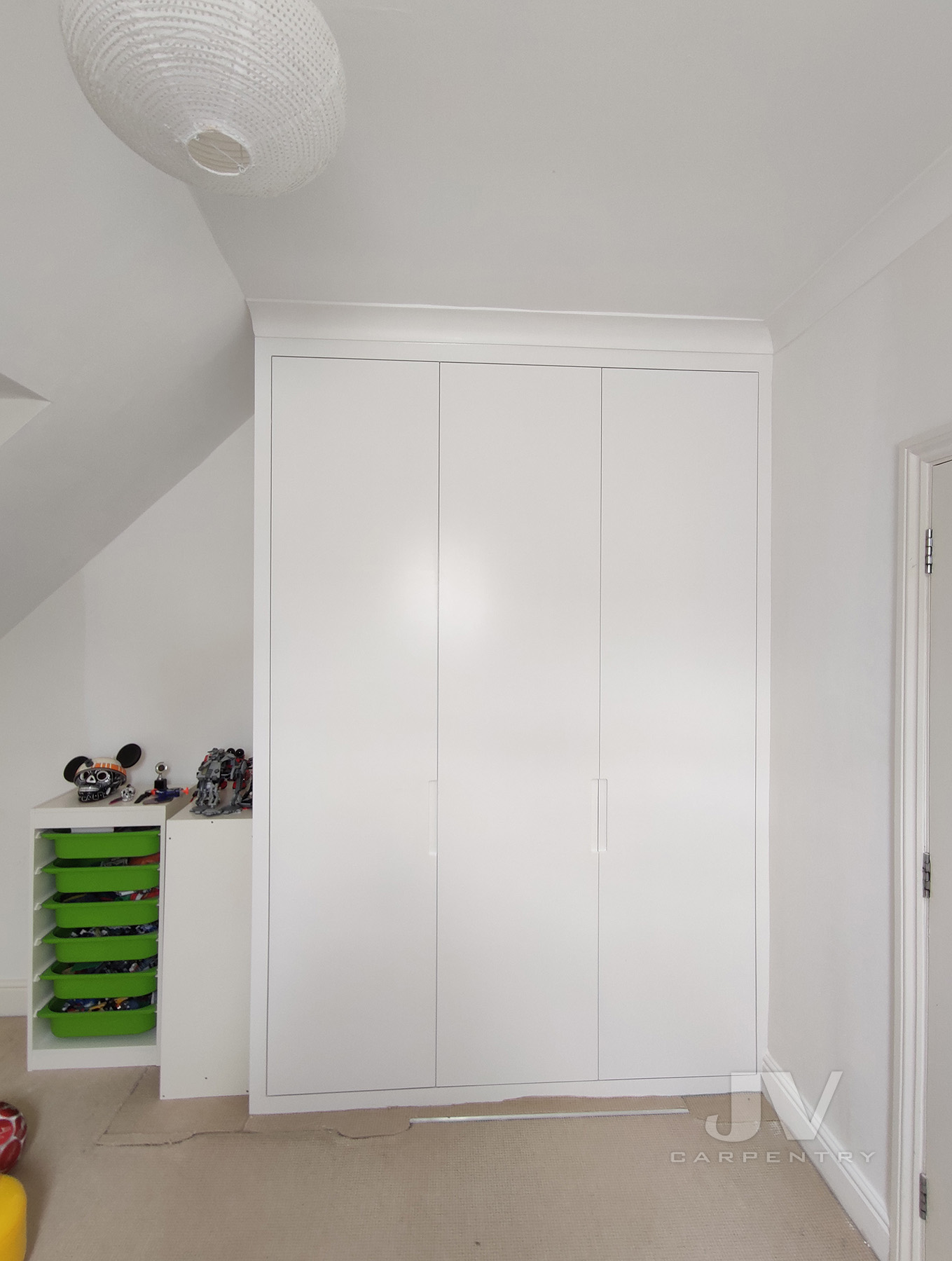 white fitted wardrobe - 2