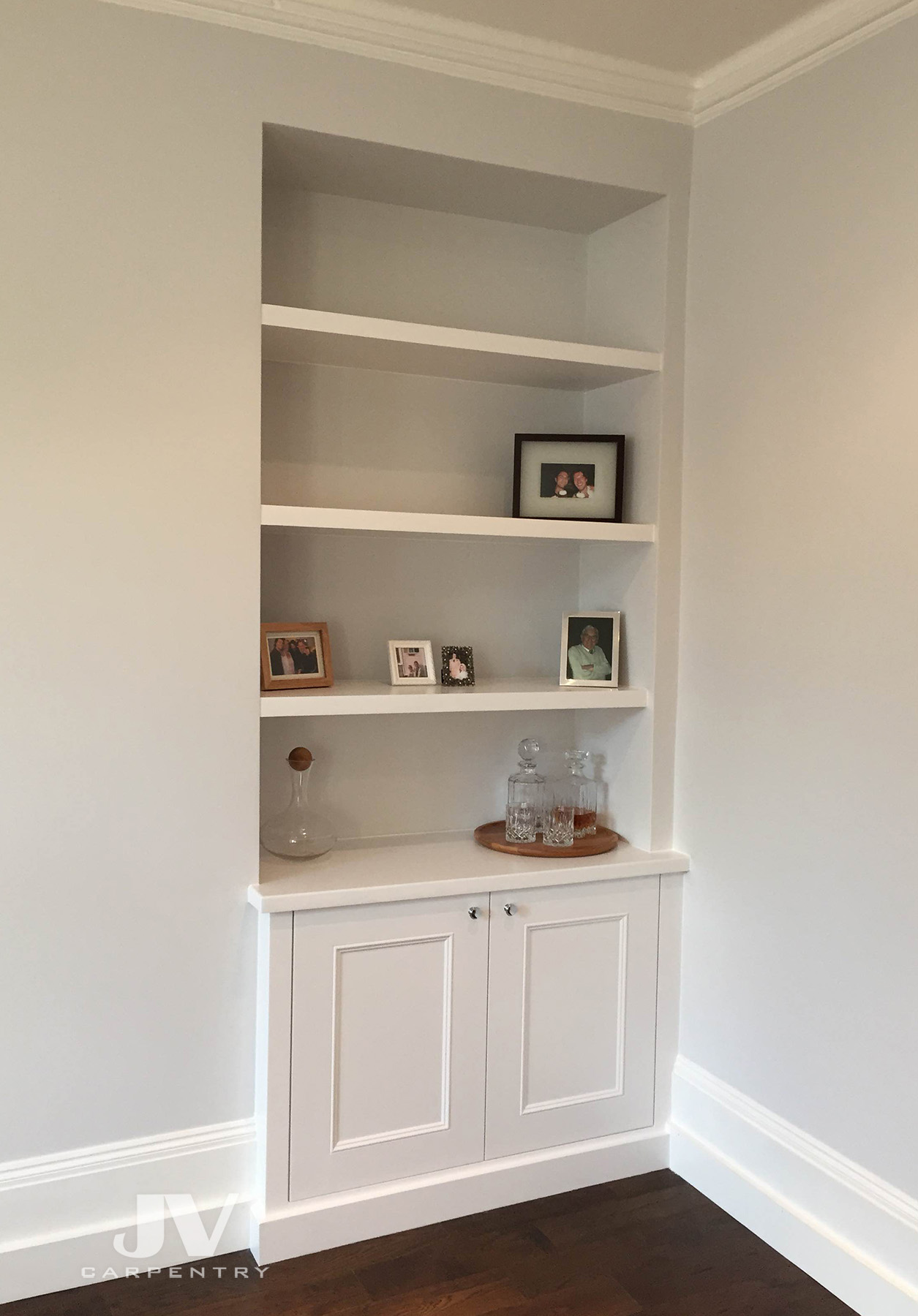 Alcove cabinet with floating shelves