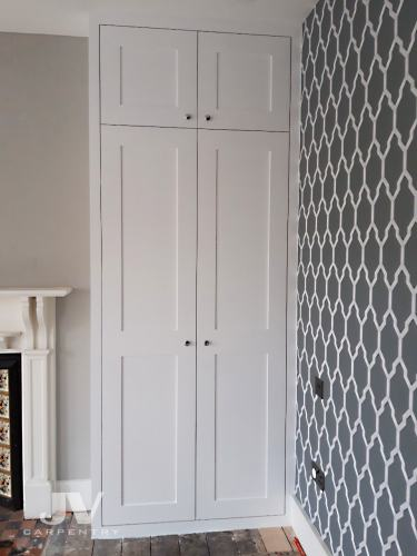 Alcove made-to-measure wardrobe (RHS)