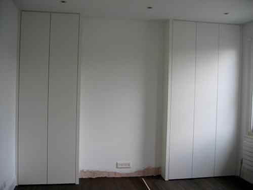Alcove wite plain wardrobes