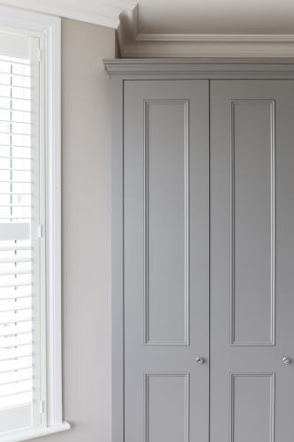 shaker beaded doors with cornice