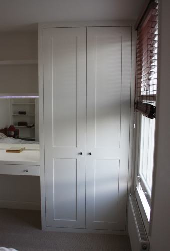 window side wardrobe