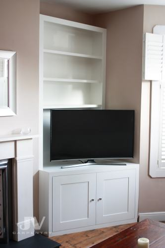 Alcove fitted bookshelves