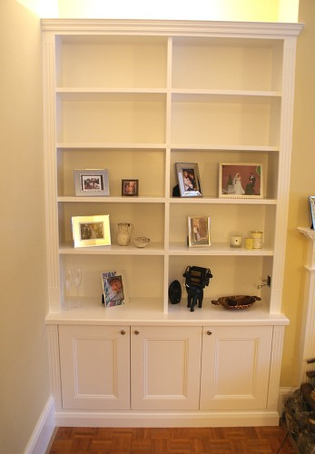 Fitted alcove bookcases traditional style