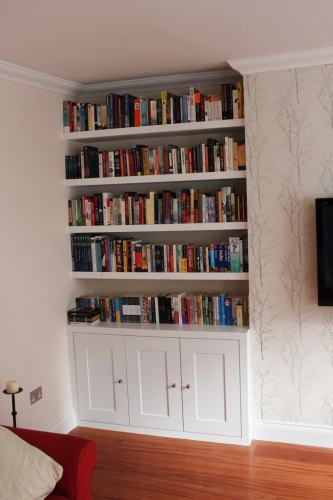 Alcove cupboard with shelving