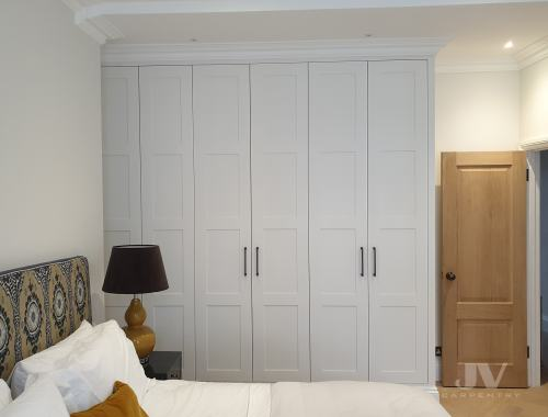 traditional built-in-wardrobes