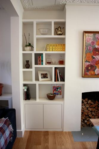 Fitted alcove shelving