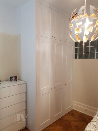 Fitted wardrobe with 3 doors